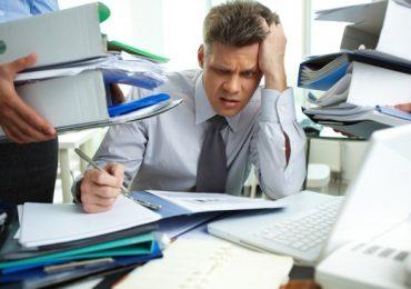 workaholic-employee