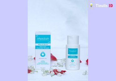 Facial Wash and Renew Secret