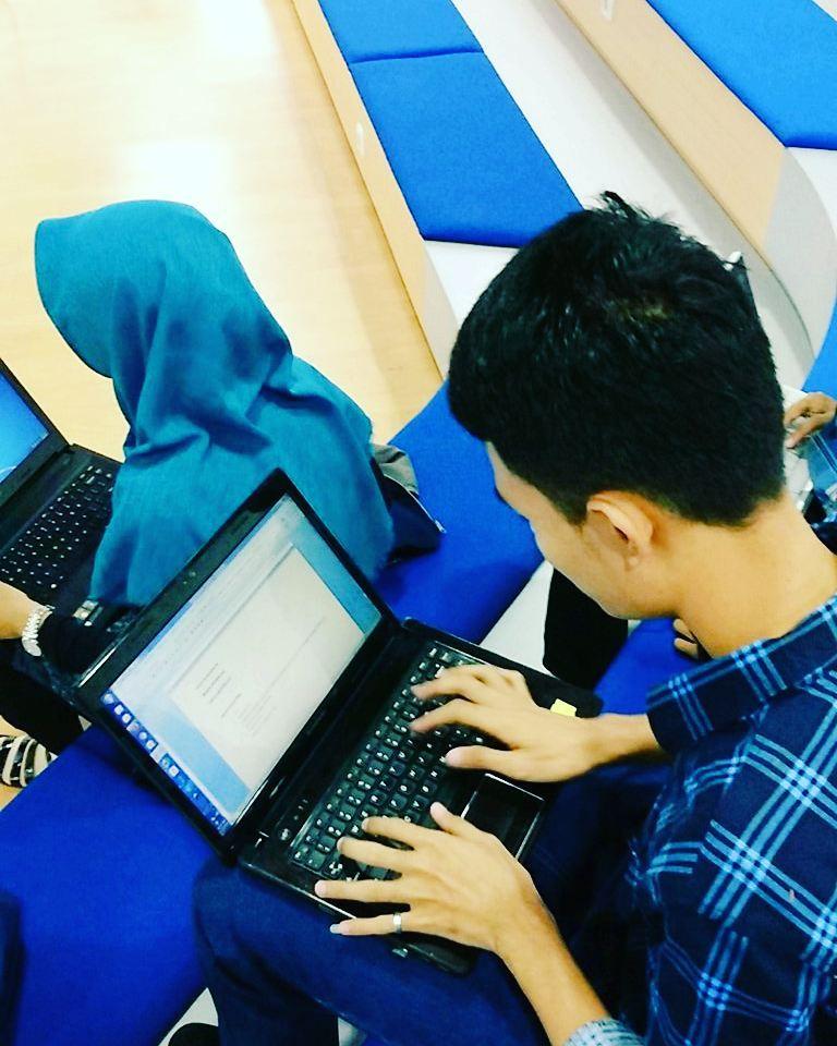 #CerdasDenganUangmu : Mengatur Kondisi Keuangan ala Full Time Blogger