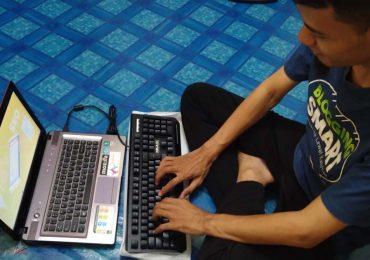 Kegiatan Blogging dengan KEyboard Armageddon MKA C8