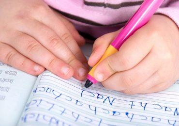 5+ Langkah awal Mengajak Anak untuk Belajar menulis